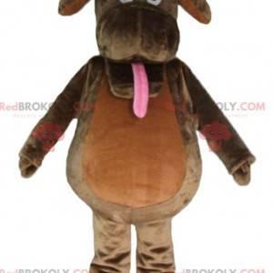 Hnědý pes maskot trčí jazyk - Redbrokoly.com
