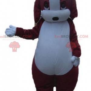 Baculatý a roztomilý hnědý a bílý psí maskot - Redbrokoly.com