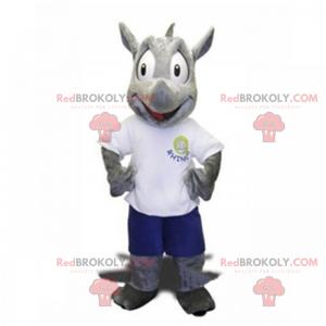 Mascota de rinoceronte en pantalones cortos y camiseta -