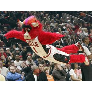 Maskot Red Bull Buffalo - Redbrokoly.com