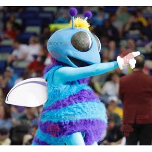 Blaues und weißes fliegendes Insektenfliegenmaskottchen -