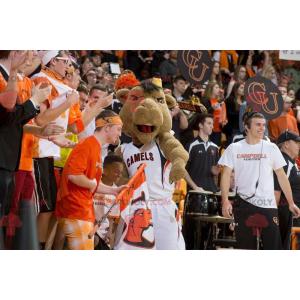 Mascotte cammello marrone in abiti sportivi - Redbrokoly.com