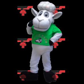 Weißes Schafmaskottchen mit einem grünen T-Shirt -