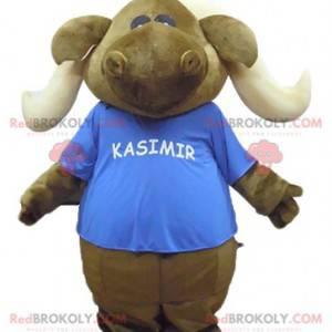 Braunes Karibu-Elch-Maskottchen mit einem blauen T-Shirt -