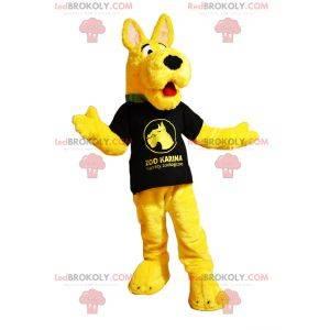 Maskot postavy - Žlutý pes v tričku