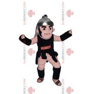 Mascota guerrera romana con su casco