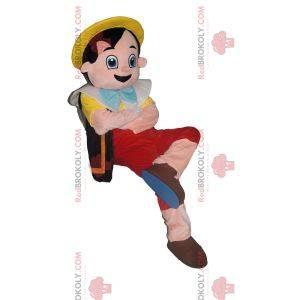 Mascot Pinocho con su sombrero amarillo. Traje de pinocho