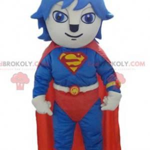 Maskot kočka oblečený v červeném a modrém kostýmu Supermana -