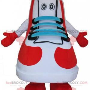 Maskot basketbal bílá červená modrá a černá bota -