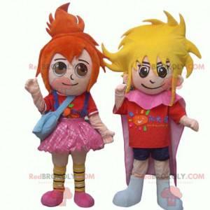 2 dětské maskoti, rusovlasá dívka a blonďatý chlapec -