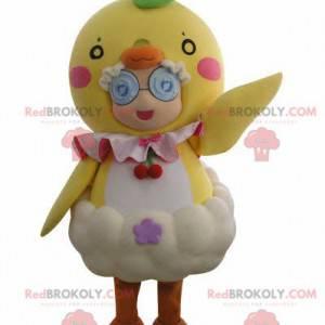 Malá holčička maskot maskovaný jako obří kuřátko -