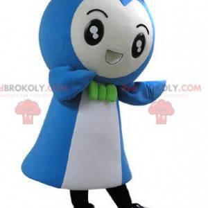 Sehr lächelndes blaues und weißes Schneemannmaskottchen -