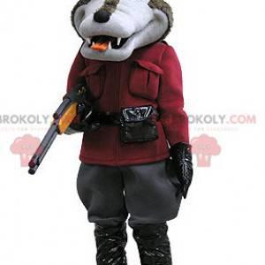 Hnědý a šedý vlk maskot v lovecké oblečení - Redbrokoly.com