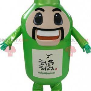Riesige grüne Flasche des Maskottchens mit Schnurrbart und