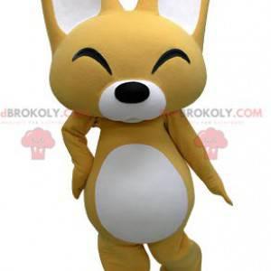 Maskot žluté a bílé lišky se smíchem - Redbrokoly.com