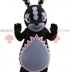 Maskot černý a šedý králík s barevnými vzory - Redbrokoly.com