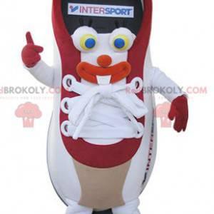 Maskot červené a bílé basketbal. Sportovní obuv - Redbrokoly.com
