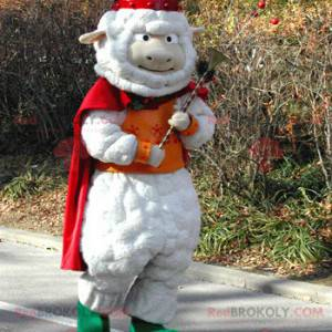 Weißes Schafsmaskottchen mit Umhang und Wikingerhelm -