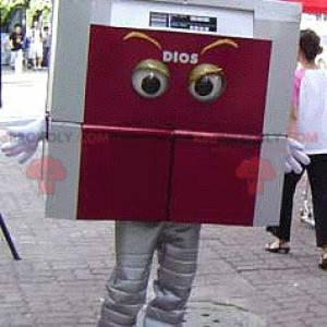 Gray and red square mascot looking fierce - Redbrokoly.com