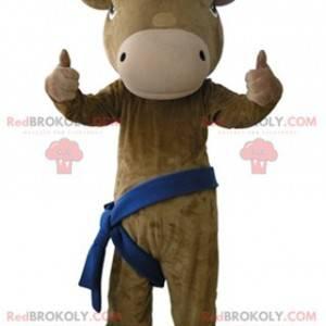 Obří a velmi realistický hnědý a béžový maskot krávy -