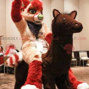 Czerwony i kremowy kot maskotka - Redbrokoly.com