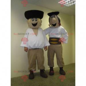 2 Maskottchen slowakischer Männer in traditionellen Outfits -