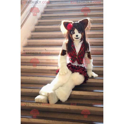 Pěkná kočka maskot oblečený se skotskou sukní - Redbrokoly.com