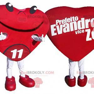 Mascotte de cœur rouge géant. Mascotte romantique -