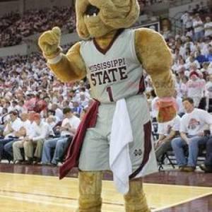 Mascotte de bulldog marron en tenue de sport - Redbrokoly.com