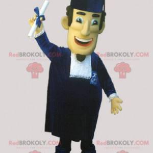 Młody absolwent maskotka z kapeluszem szefa kuchni i toga -