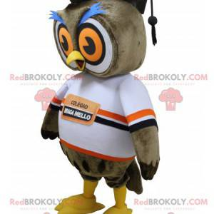 Brown owl mascot with a hat of new graduate - Redbrokoly.com