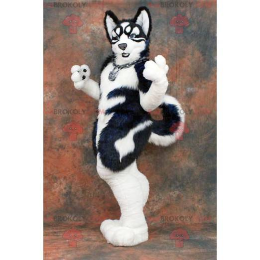 Maskot černobílý pes - Redbrokoly.com