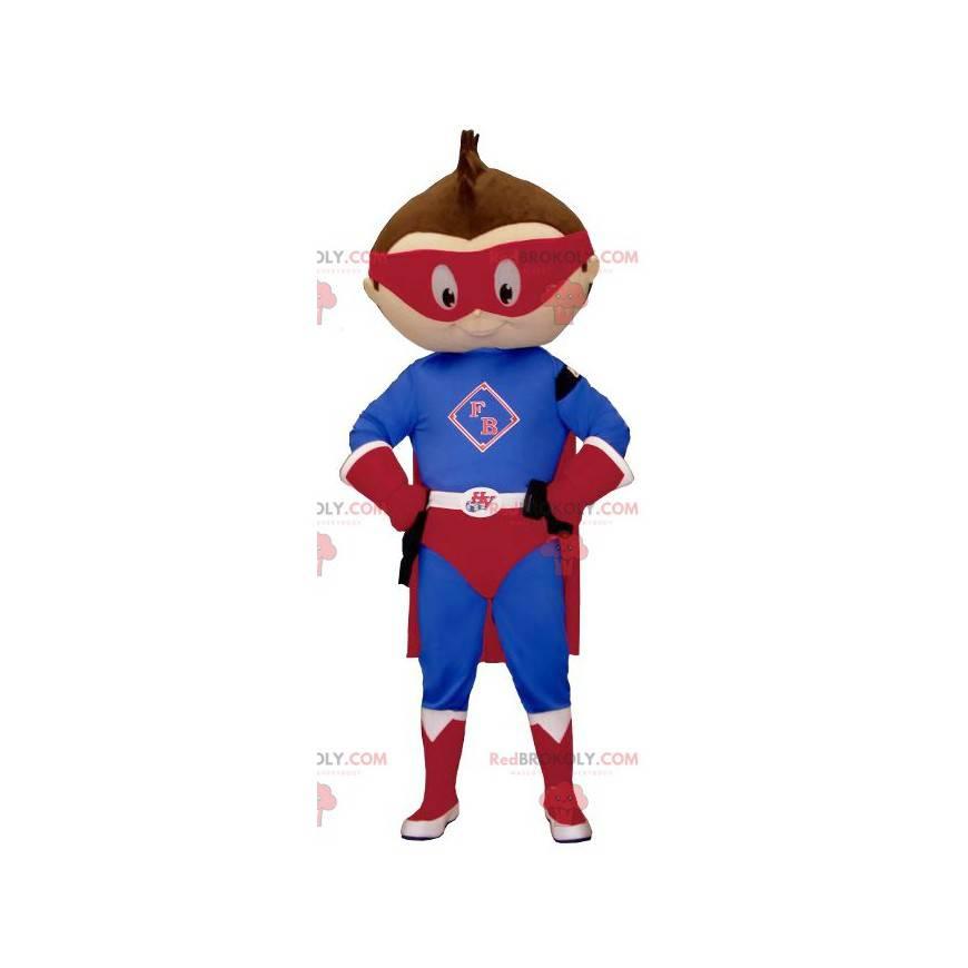 Kleines Jungenmaskottchen gekleidet im Superhelden-Outfit -