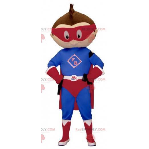 Menino mascote vestido com roupa de super-herói - Redbrokoly.com