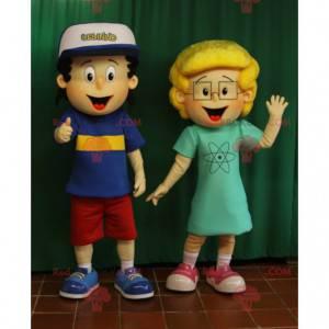 2 mascots a little brown boy and a little blonde girl -