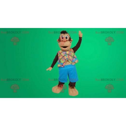 Maskotka śliczna mała małpa w swojej hawajskiej koszuli -
