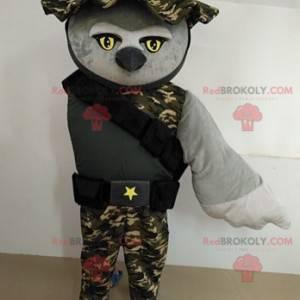 Sova maskot oblečený jako vojenský voják - Redbrokoly.com