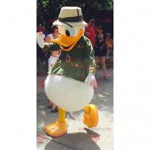 Donald Duck Maskottchen als Entdecker verkleidet -