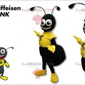Zwarte mier mascotte gekleed in geel - Redbrokoly.com