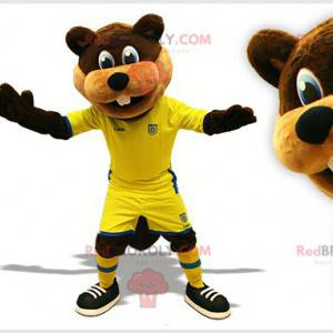 Braunes und beiges Bibermaskottchen im Fußballoutfit -