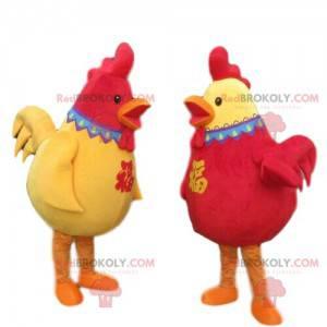 2 maskotki czerwonych i żółtych kogutów, 2 kolorowe kurczaki -