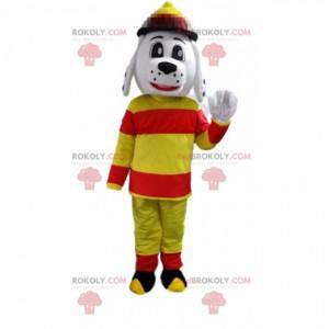 Maskot psa oblečený jako hasič, hasičská uniforma -