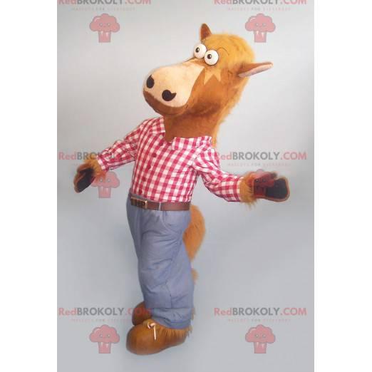 Hnědý kůň maskot s kostkovanou košili a džíny - Redbrokoly.com